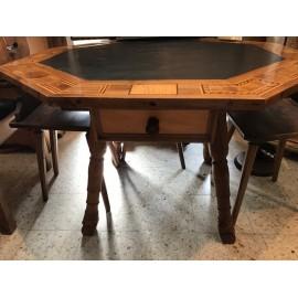 Motafoner Tisch
